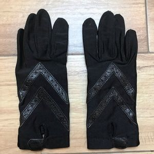 Isotoner Black Gloves